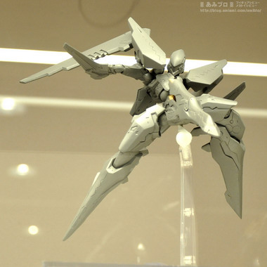 2013 Winter Hobby Maker Product Exhibition Part 6: Union Creative International, Ken Elephant, Medicom Toy, Daiki Kougyou