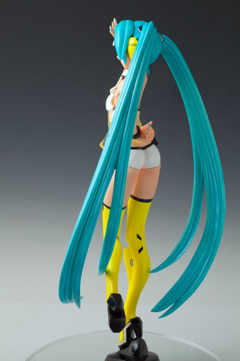 Vocaloid 2   Yellow Miku 1/7 GK by Polygonia