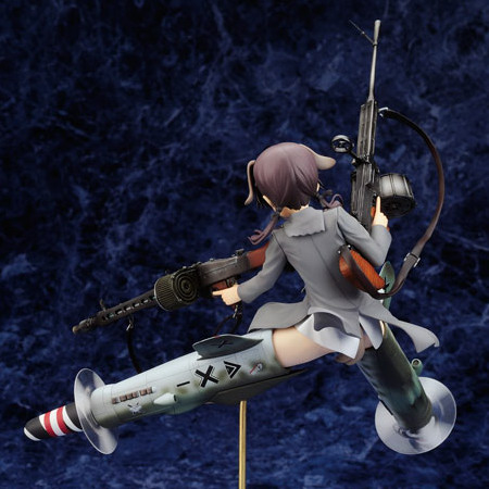 Strike Witches – Gertrud Barkhorn Theatrical Release Memorial Edition Fw190D 9zweit Ausgestattet mit Typ 99 MG 1/8 PVC figure by Alter
