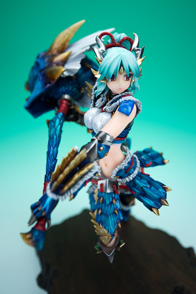 Monster Hunter Tri G – Zinogre equipment with Thunder King Hammer 1/6 action GK by Cerberus Project