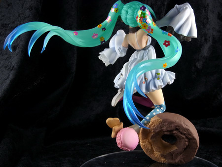 Vocaloid 2 – Sweetie Miku san non scale GK by ReplyFrom…